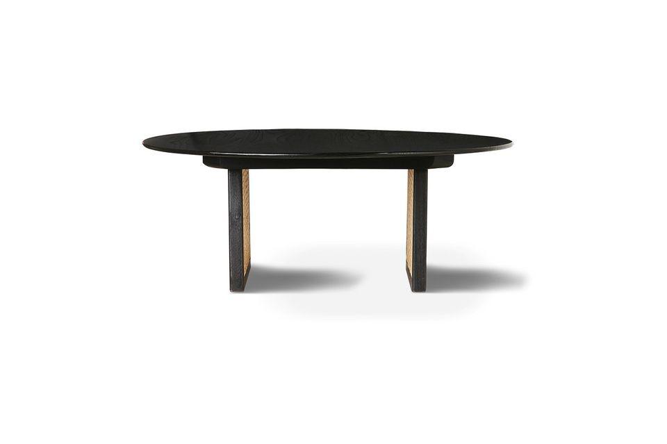 Con questo tavolino, la fibra vegetale e naturale impone la sua trama grafica e raffinata
