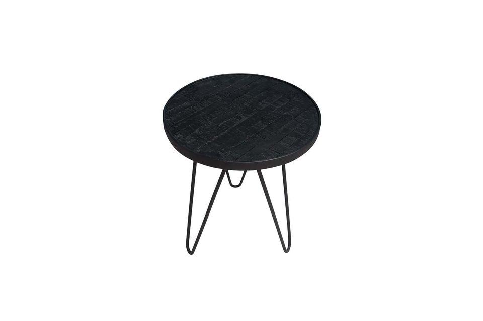 Un tavolino contemporaneo e naturale