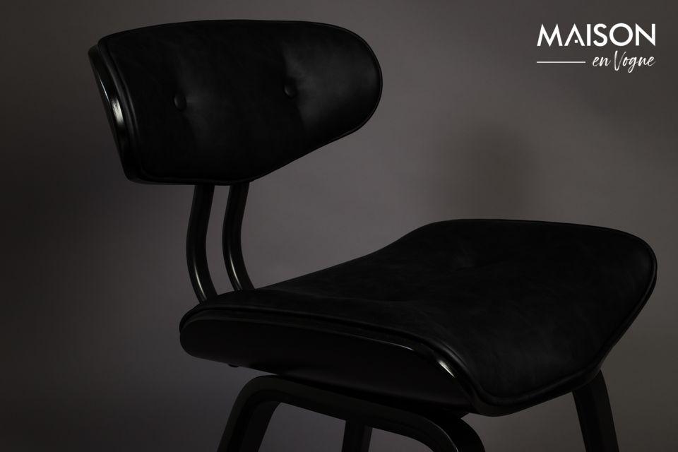 Il sedile e lo schienale sono in pelle PU nera