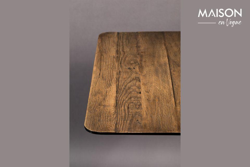 Questo tavolo è disponibile anche con piano in legno di pino