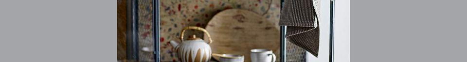 Materiali prima di tutto Camellia boccale in porcellana
