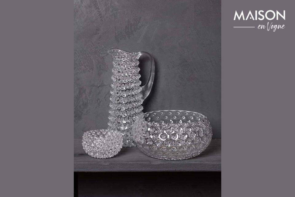 Una brocca elegante dal design sofisticato
