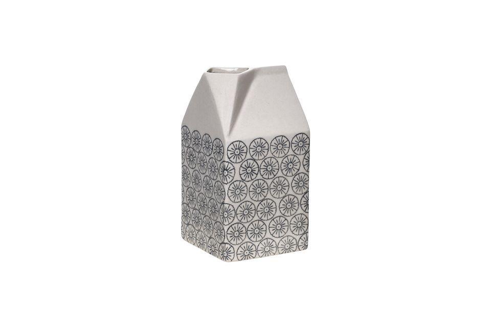 Un caraffa per il latte dal design bizzarro