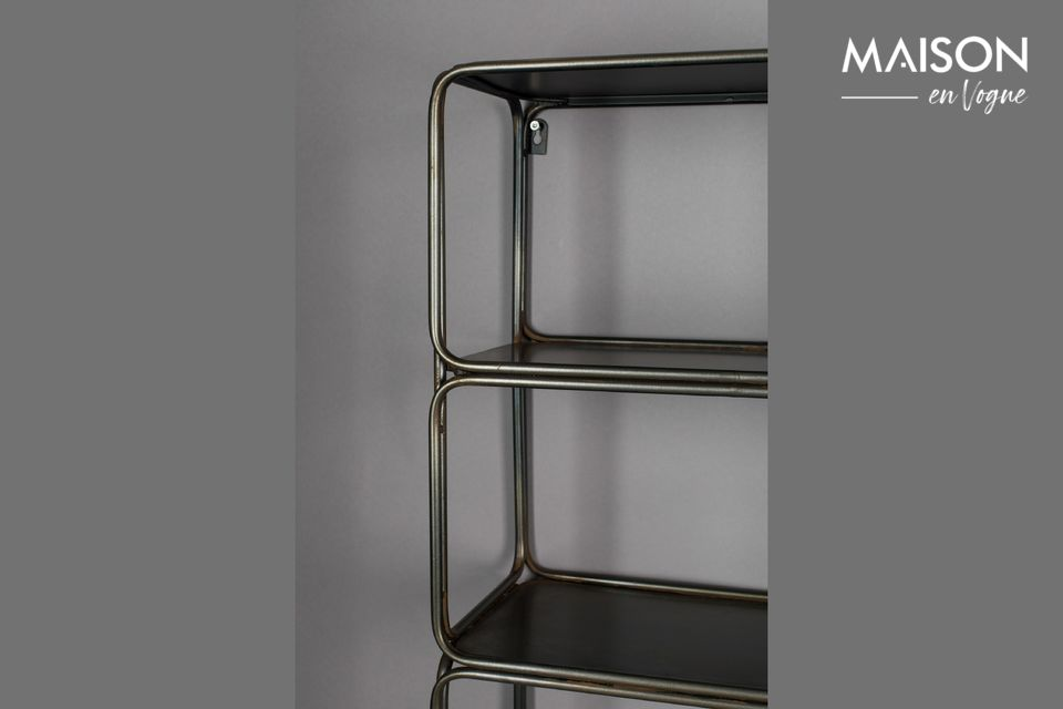 Questo leggero ed elegante scaffale a parete in ferro vi renderà la vita più facile