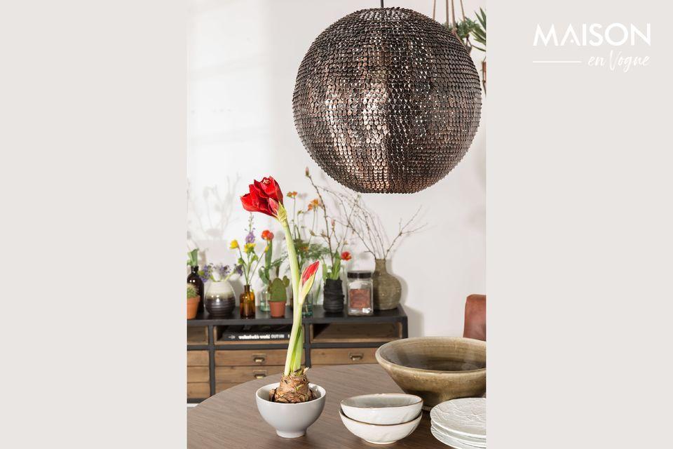 Gli apparecchi di illuminazione svolgono un ruolo centrale nella decorazione di un interno e quindi