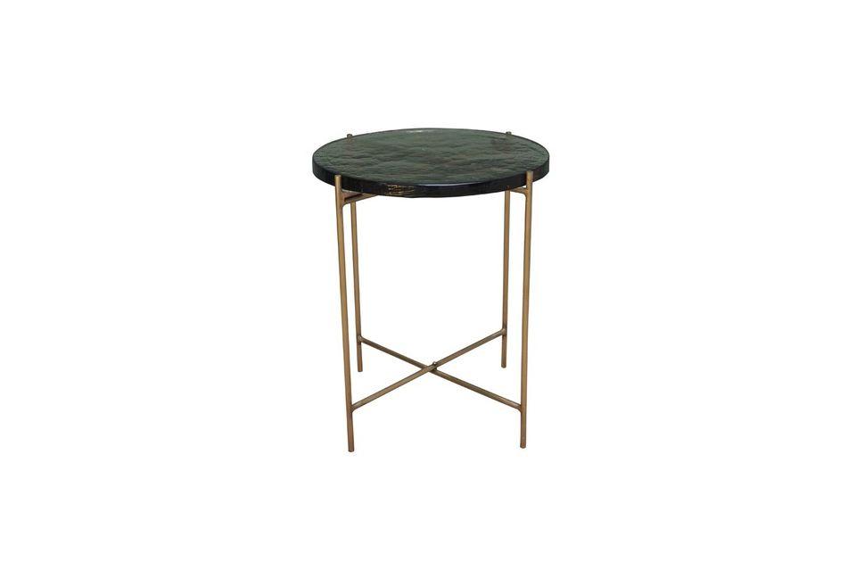 Anche se anch\'esso è realizzato con un piano in vetro, il tavolino Courlon non è fragile