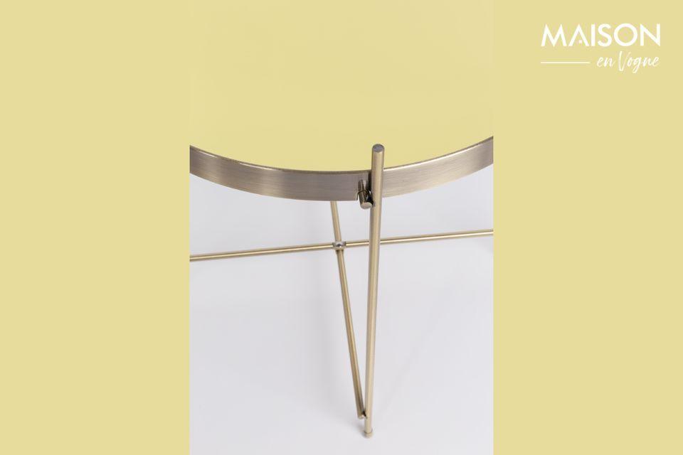 Il suo piano rimovibile in vetro a specchio e la struttura in metallo sono completamente rivestiti