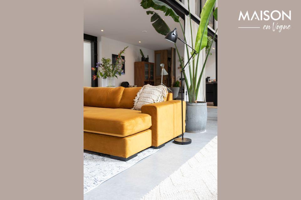 Un elegante divano ad angolo per un interno confortevole e contemporaneo