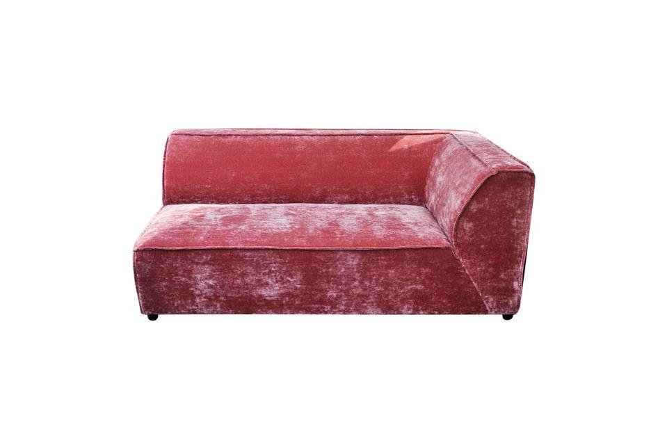 I divani ad angolo sono molto popolari perché permettono di occupare lo spazio vuoto