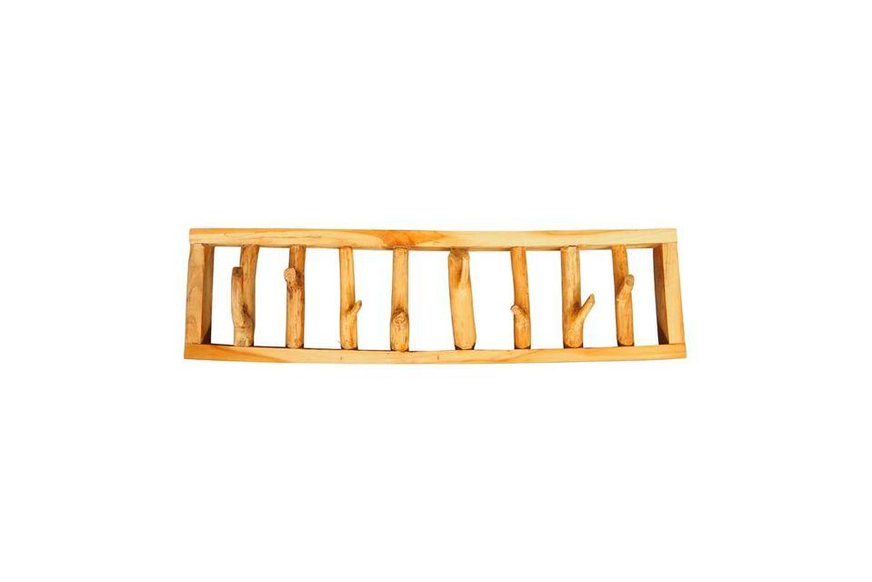 Con la sua struttura in legno leggermente mordenzato