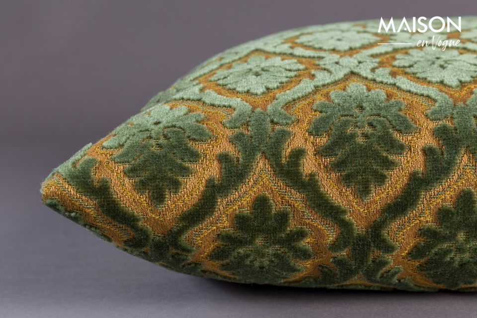 L\'allineamento di questi dettagli e il tocco lussuoso del cuscino Glory affermano il suo stile