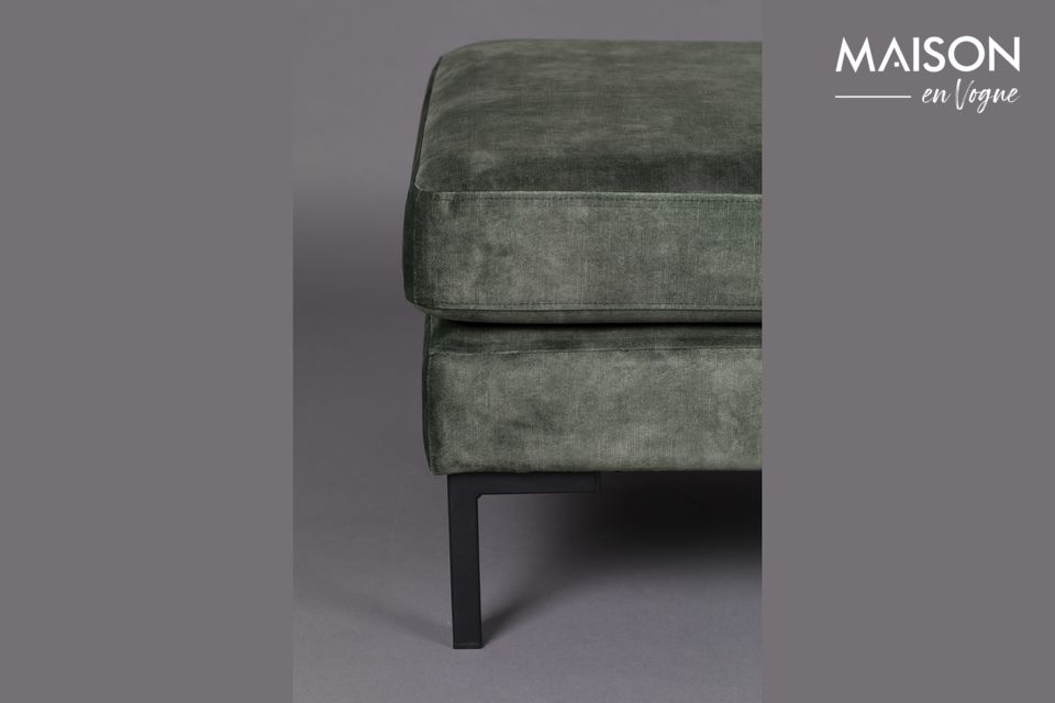 Con una seduta morbida, questo sgabello pieno di fascino si abbina a qualsiasi stile