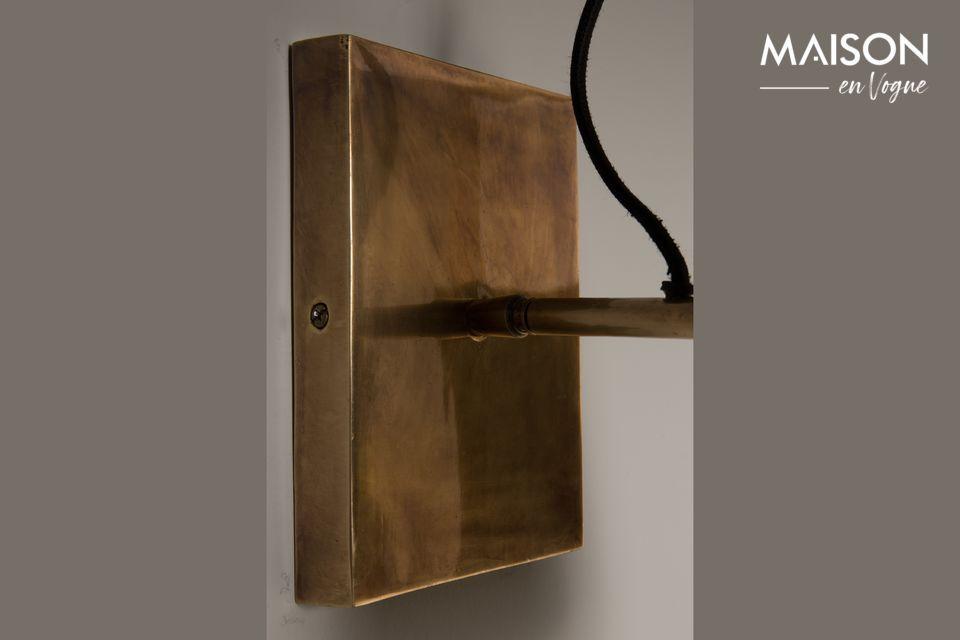 Elegante e vintage lampada da parete