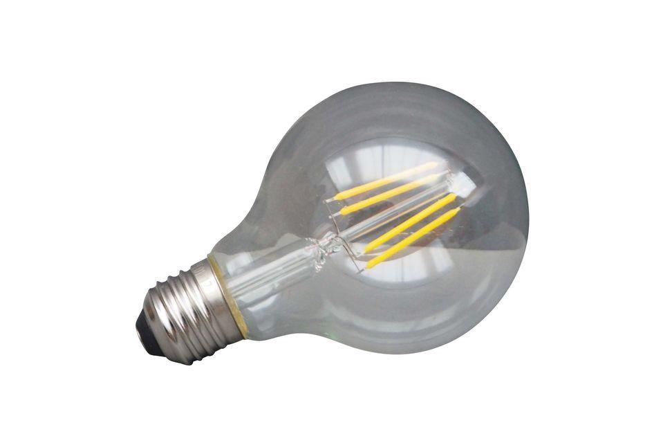 Una lampadina a LED per il risparmio energetico... e per il pianeta..