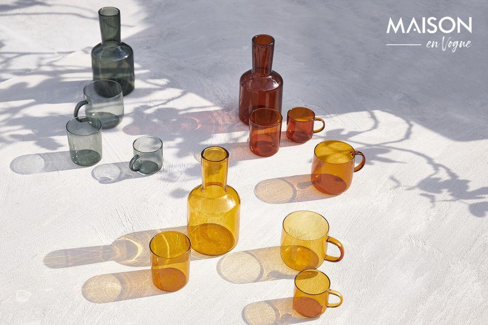 Il colore ambrato del decanter e del vetro Lasi ne accentua la raffinatezza