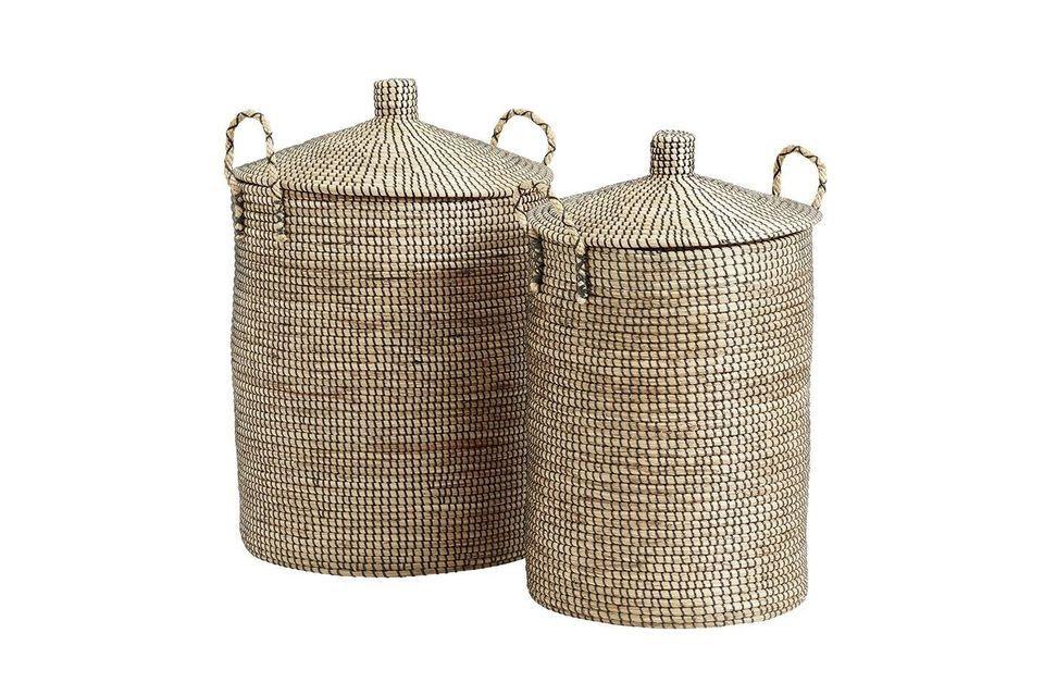 Questi due bellissimi cestini in giunco di mare intrecciato naturale sono fatti a mano