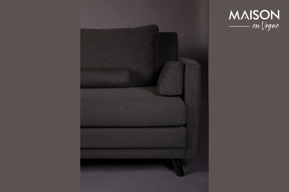 Questo divano viene fornito con 6 cuscini sfoderabili per il massimo comfort