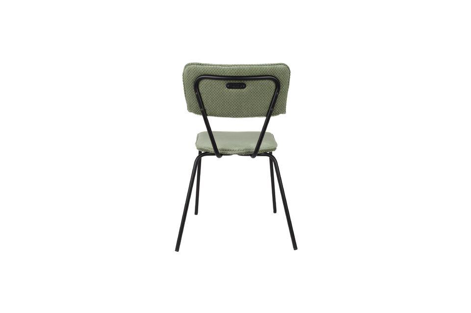 Design vintage e comfort, ideale intorno a un tavolo