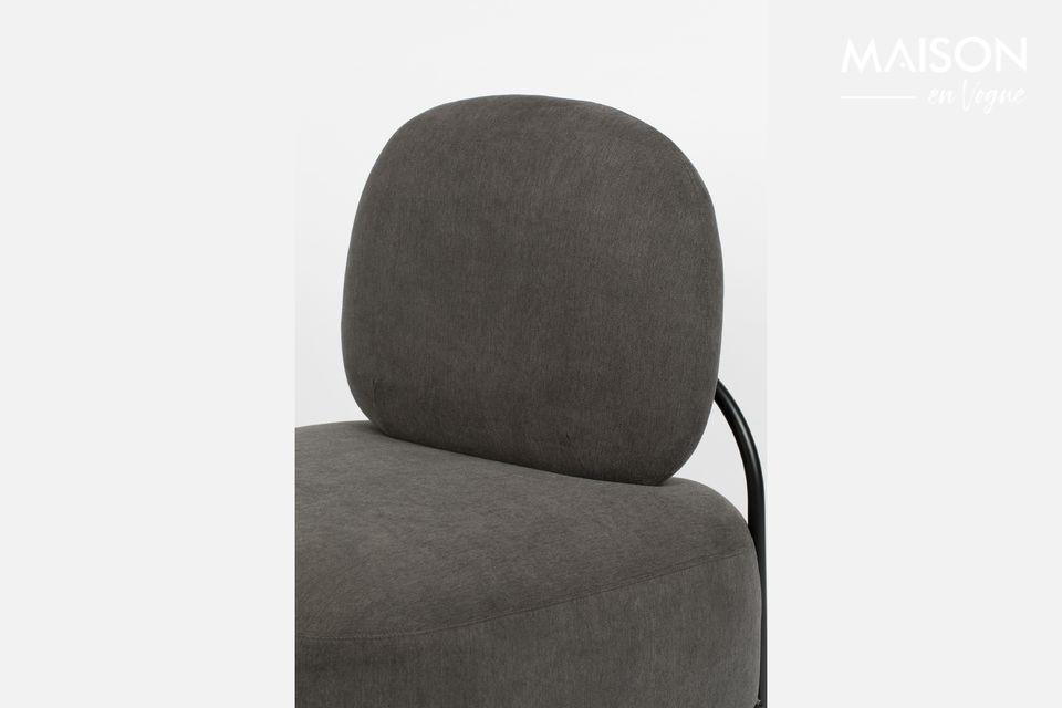 Una sedia contemporanea con un comfort incredibile
