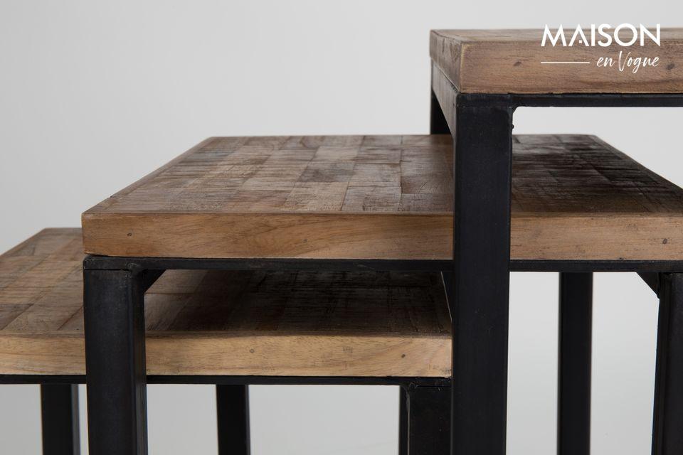 Il tavolino Suri Set of 3 proposto da White Label Living aggiunge un tocco di contemporaneità ed