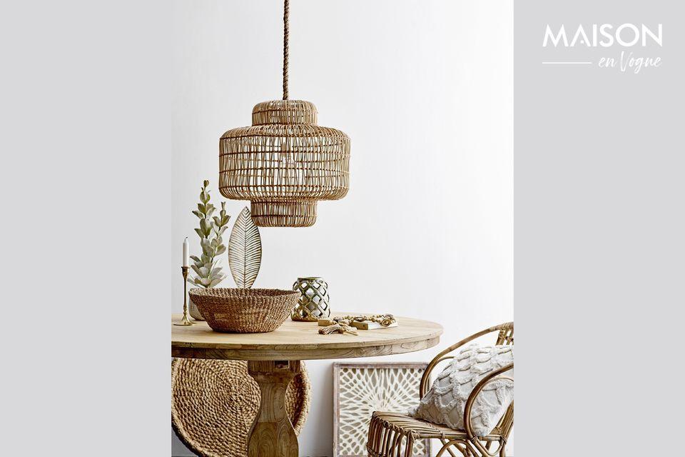 Un tavolo in olmo riciclato con un design vintage