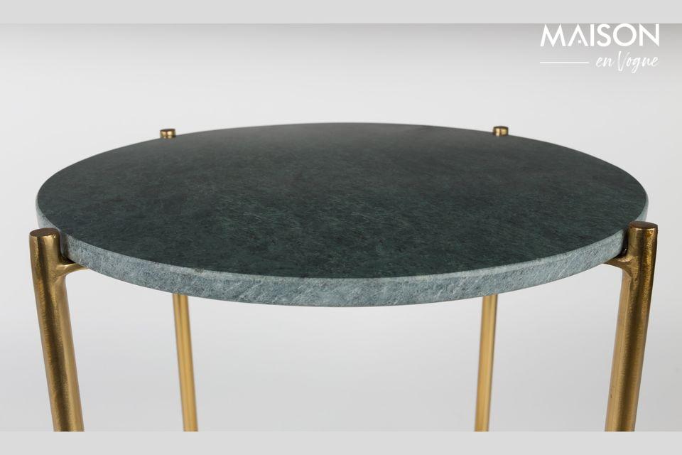 La nobiltà e l'eleganza di un tavolino di marmo