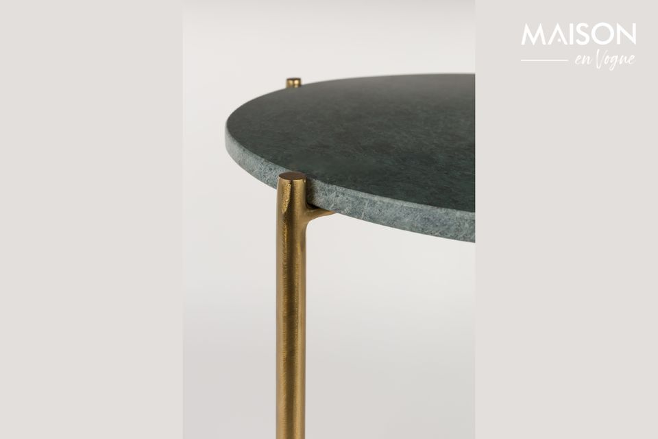 Il tavolino in marmo verde Timpa è un piccolo e raffinato mobile con piano in marmo naturale e