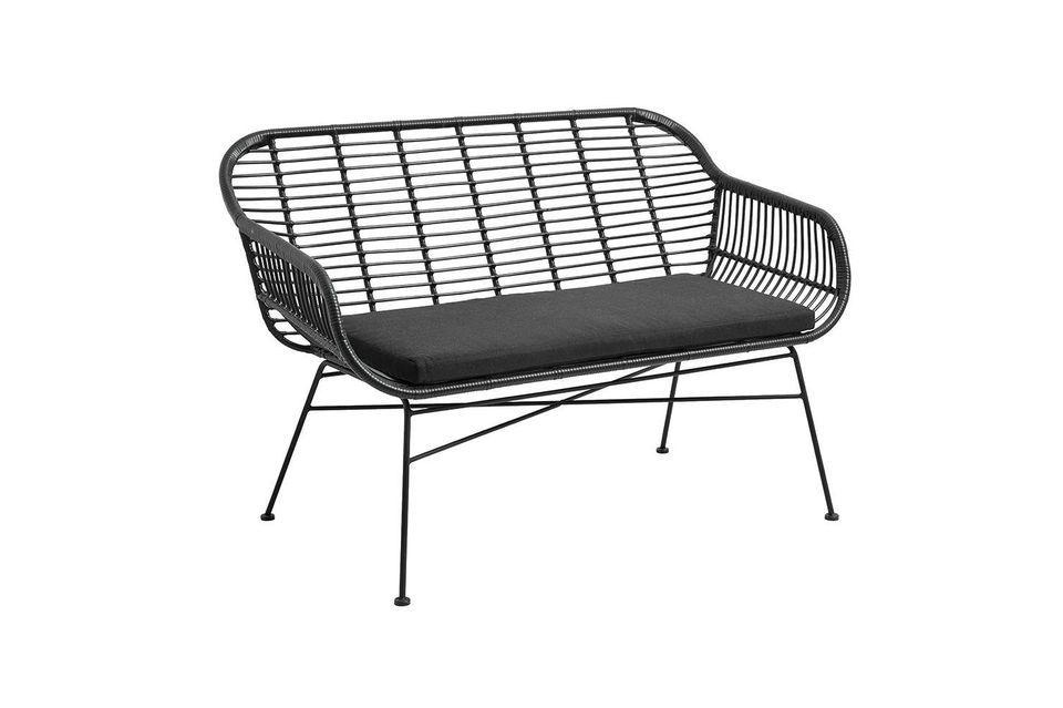 La panchina da giardino con cuscino Nordal Cushion è ideale per arredare il vostro spazio esterno