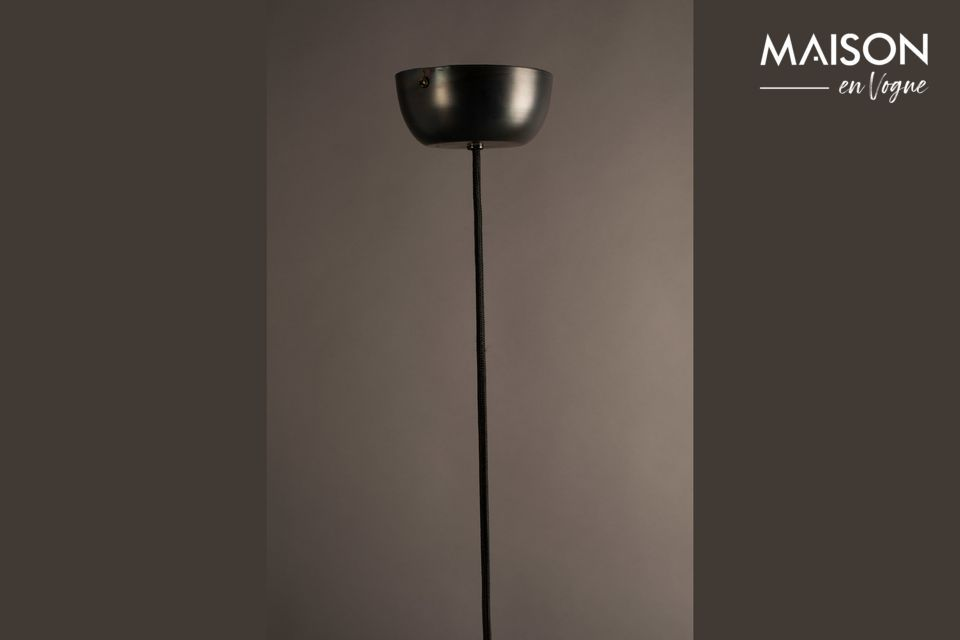 Lampadario in metallo nero