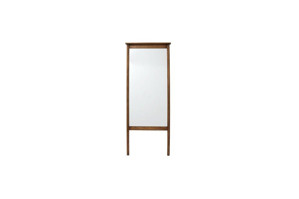 Lo specchio Wasia Mirror on Legs del marchio danese Nordal è autentico e naturale